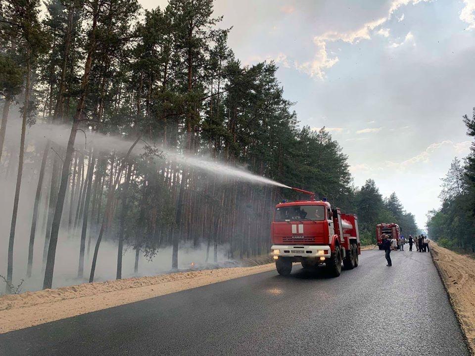 Тушение пожара в Новоайдарском районе под Северодонецком
