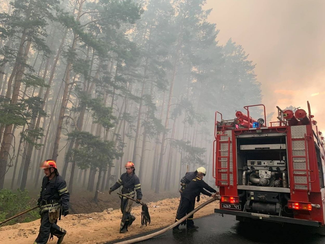 Гасіння пожежі в Новоайдарському районі