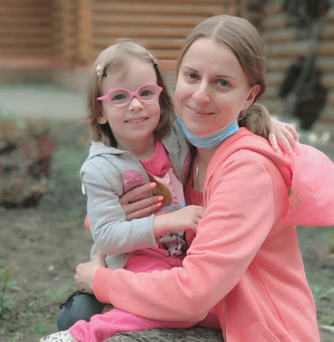 Катерина Молодчинная с дочкой